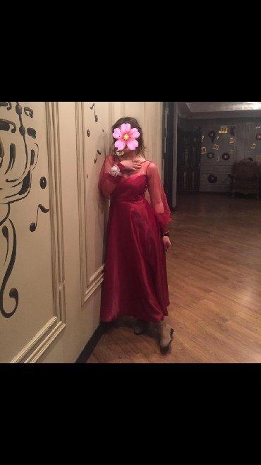 длинные шифоновые платья с рукавами в Кыргызстан: Платье из атласа рукав на манжете с пуговицами смотрится очень