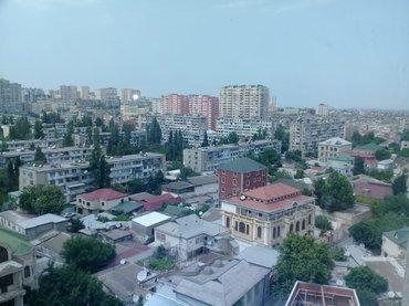 Bakı şəhərində Yeganə şadlıq sarayının yaxınlığında 12 mərtəbəli binanın