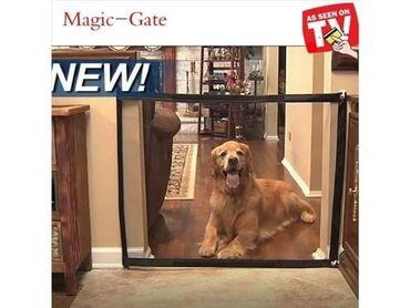 Zaštitna ograda za ljubimce savršena je za vrata, između zidova ili