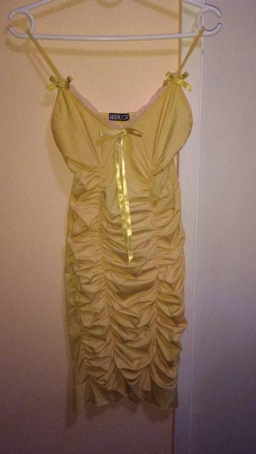 Haljina uz telo - Srbija: Lepa haljina, prati liniju, tela, ide uz telo. ima elastine, velicina