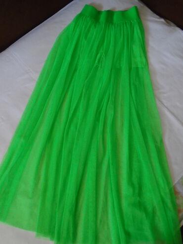 Prelepa zelena suknja od tila sa šortsem ispod, jednom nošena