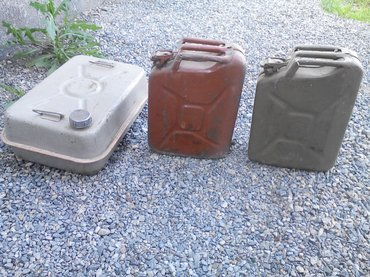 канистра-для-бензина-бишкек в Кыргызстан: Продаю Советские канистры для бензина объемом 20 и 40 литров в
