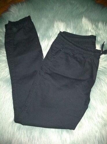Crne nove pantalone,s,m