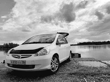 Honda Fit 1.5 л. 2006 | 120000 км