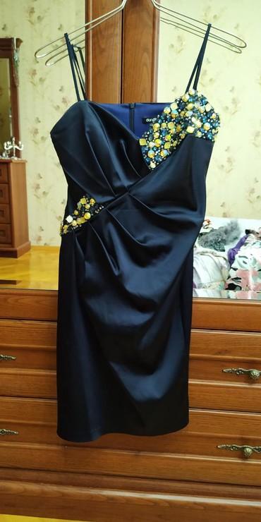 женские леггинсы со вставками в Азербайджан: Очень красивое платье бренд со стразами.отлично сидит по фигуре.размер