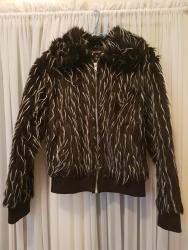 Dečije jakne i kaputi | Negotin: Dečija bundica- veoma očuvana i vrlo malo nošena, izuzetno je prijatna