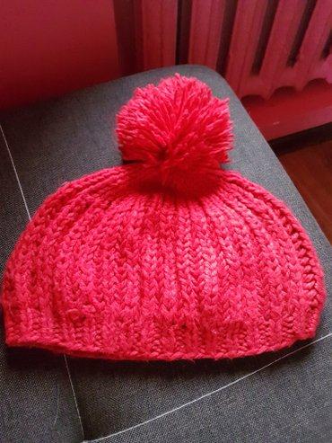 Красивая красная шапочка в Лебединовка