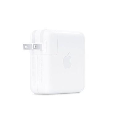 apple-macbook в Кыргызстан: Продаю б/у адаптер питания Apple USB-C мощностью 61W. Идеальное состоя