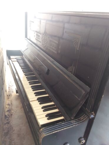 Musiqi alətləri - Sabirabad: Pianino satılır 150 azn Sabirabad rayonu
