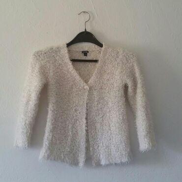 Dečije jakne i kaputi | Ruma: Cupavi dzemper za devojcice, vel 3 90-97 cm, kao nov. Kontakt