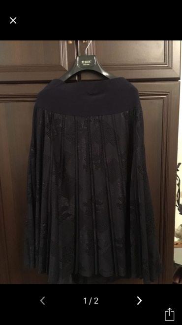 Женская одежда в Чаек: Очень красивая новая Корейская юбка ниже колен,размер 48-50,ткань
