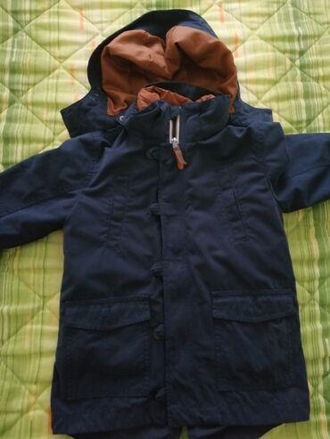 H&M jakna 2u1 za dečaka br 110, za 4-5 godina. Uložak sa