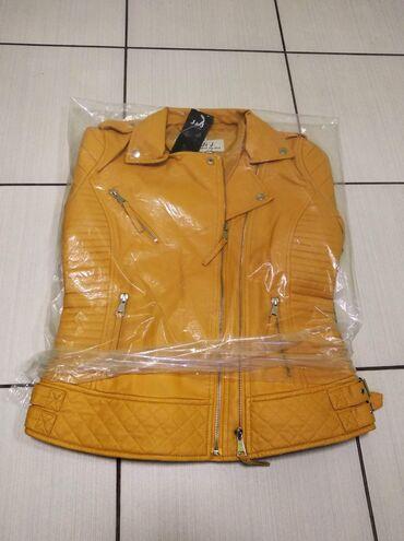 Oker žuta jakna  M veličina  Cena 3300 dinara