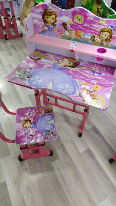 uşaq masaları - Azərbaycan: Usaq ucun masa ve oturacaq catdirilma var