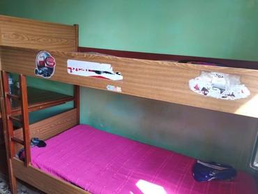 Продаю двухъярусный кровать дерево Ореховый в Бишкек