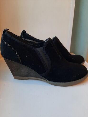 На обуви имеются дефекты
