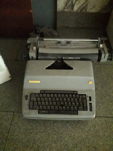 chevrolet ретро в Кыргызстан: Продается печатная машинка РЕТРО в хорошем состоянии