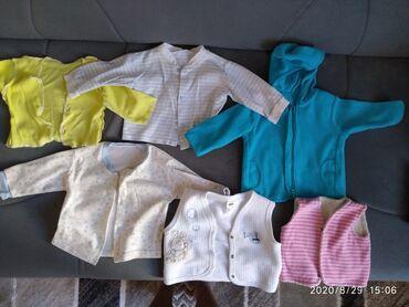 Вещи на мальчика от 0-6 месяцев и старая коляска ( нужно помыть) Отдам