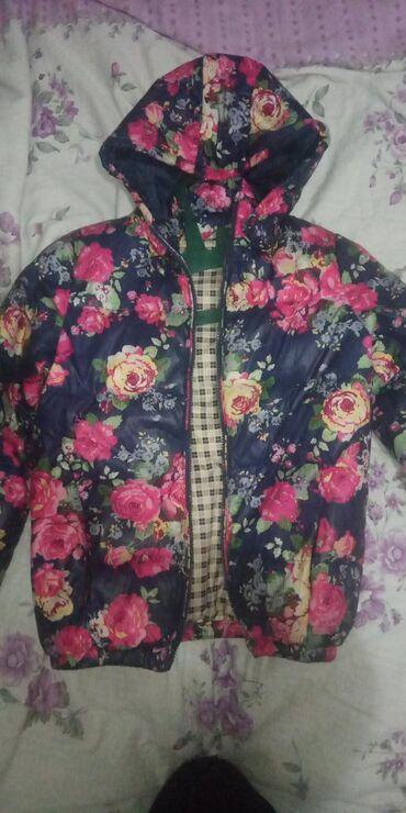 Куртки - Лебединовка: Продаю осеннюю курткунаполнитель пух,на10-11лет,состояние как новое