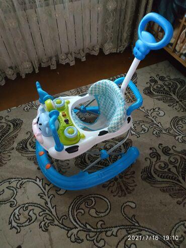 Детский мир - Кировское: Продаются хадунки почти новые катались всего 3 месяца,калеса гелевые