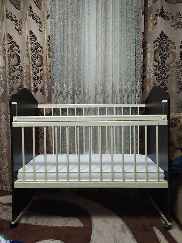 бу детские кроватки в Кыргызстан: КАРАКОЛ. Продаётся детская кроватка. В отличном состоянии,новая, реб