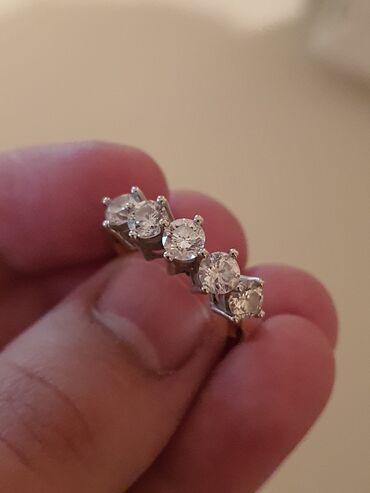 595 проба в Кыргызстан: Продается бриллиантовое кольцо корона. 5 камней общий вес 1.25 карат