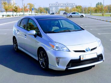 приус бишкек in Кыргызстан   TOYOTA: Toyota Prius 1.8 л. 2012   141000 км