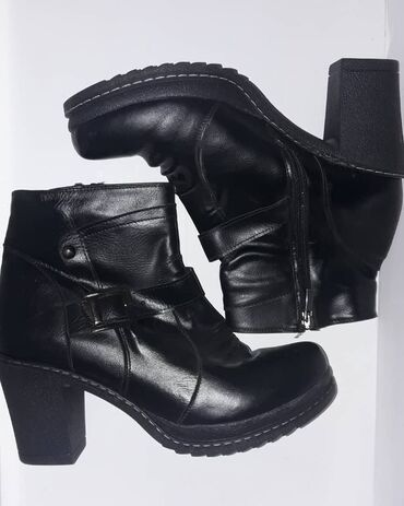 Новые Деми ботинки 39 размер. Турция
