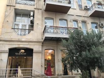 ICARE: Nesimi rayonu, Bulbul prospektinde ela temirli moda evi icare