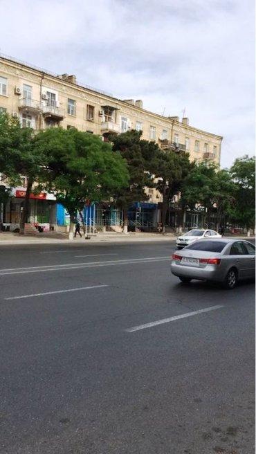 Bakı şəhərində Продается 3-х комнатная квартира по