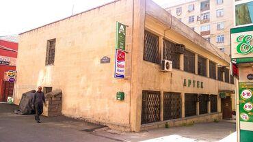 Binalar - Azərbaycan: Binalar