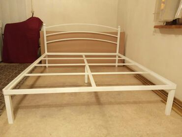 металлический шифер цена бишкек в Кыргызстан: Кровать в стиле Хайтек, каркас металлический, подложка под матрас МДФ