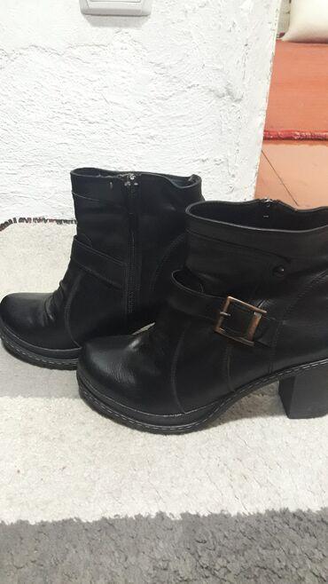 37 размер. Ботинки