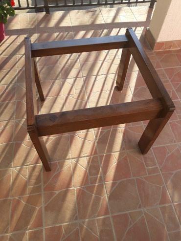 Na prodaju stocic drveni ram,gore staklo,visina stocica je 47cm,sirina - Barajevo