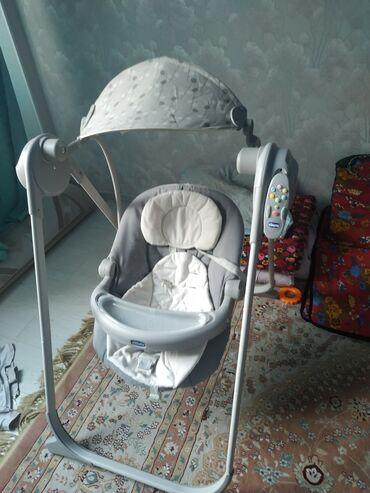 dlja kormlenija chicco в Кыргызстан: Продаю детскую качалку chicco