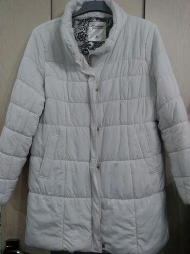 opti women в Кыргызстан: Пальто белое размер 48-50, пальто темно серое размер 52-54, драповое