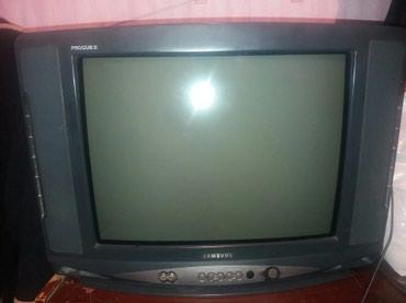 Xırdalan şəhərində Samsung televizor iwleyir.