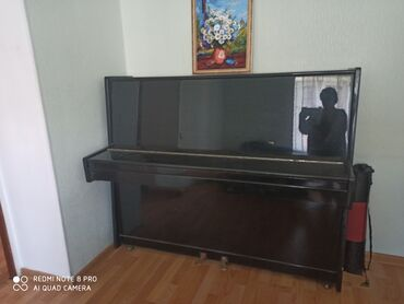 """пианино-чайка в Кыргызстан: Пианино """"Тюмень"""", черное, лакированное, небольшое, красивый звук"""