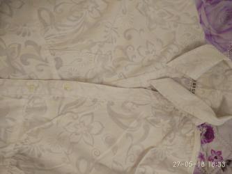 Блузка белая с цветочками - в идеальном состоянии