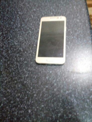 Sumqayıt şəhərində Samsung a3 2015 gold telefonu satilir. Barter var. Hec bir problemi yo