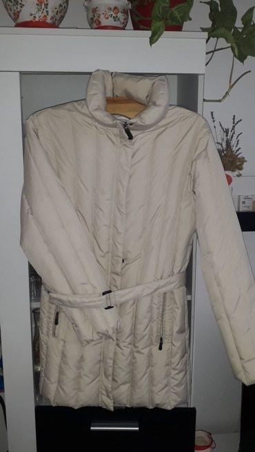 Zenske perjane ocuvane jakne xl komad 1000din - Beocin