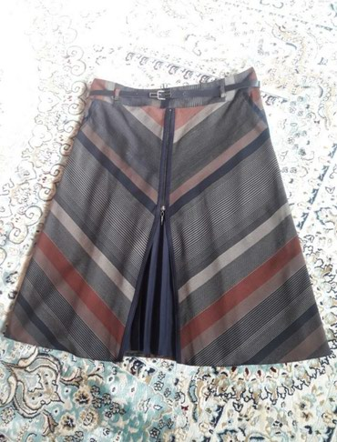 Берса - Кыргызстан: Срочно!Продаю!! Новую юбку.Турция.Цена 1000сом. Уйго жаныма кыз керек