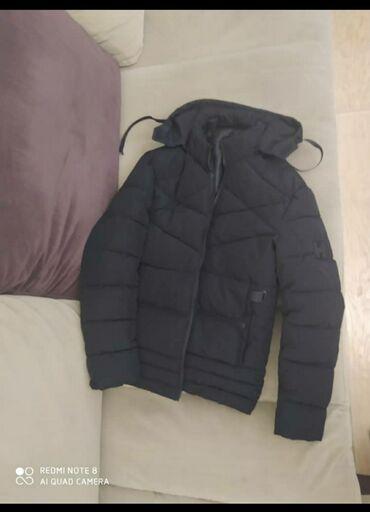 Мужская весенняя куртка не слишком толстая как раз для марта можно