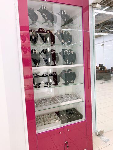продажа малины бишкек в Кыргызстан: Продаются Торговые Витрины (прилавки), стеклянные, с подсветкой, 2 шт