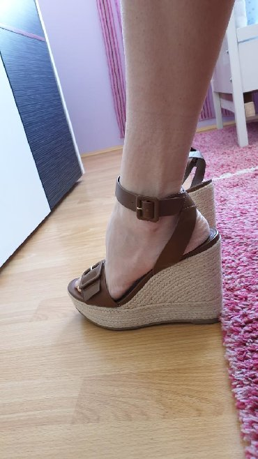 Ženska obuća | Sombor: Nove MANGO sandale 39 br. Samo jednom nosene