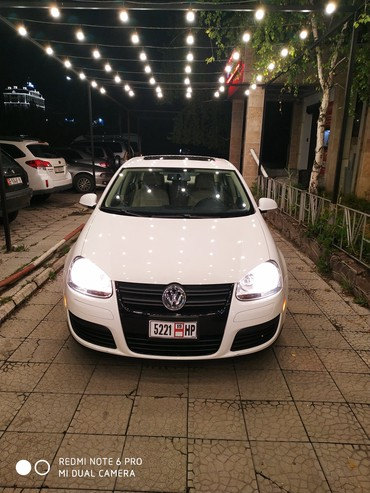 Автомобили - Бишкек: Volkswagen Jetta 2 л. 2010 | 120000 км