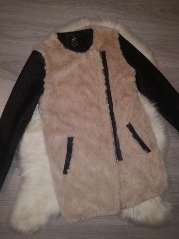 Primark jaknica u veličini 38. Nošena nekoliko puta