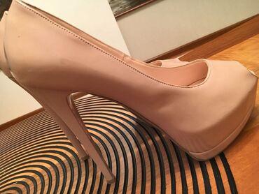 hundur daban ayaqqabilar - Azərbaycan: BYT Shoes markasıdır.Hündür daban olmağına baxmayaraq çox rahatdır.5-6