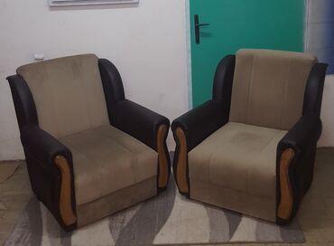 Nameštaj - Kula: Fotelje 2 kom. Prodajem 2 manje fotelje, kupljene nove prosle godine