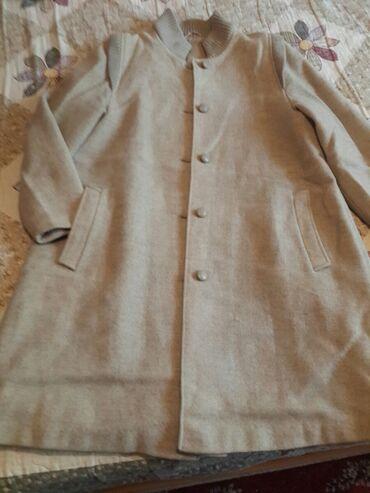 жен пальто в Кыргызстан: Жен . пальто очень хорошого качество, размер 44-46. Прошу 1190 с,торг